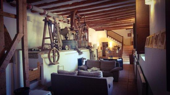 Monreal del Campo, Spanje: Exhibition and reception.