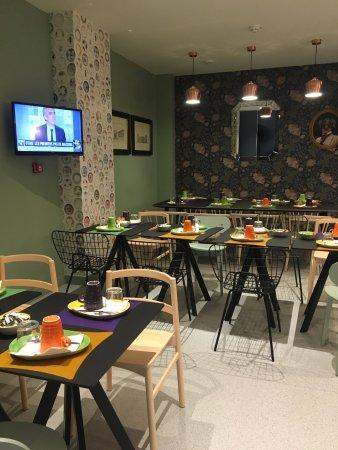 salle petit d jeuner photo de ibis styles paris gare de l 39 est tgv paris tripadvisor. Black Bedroom Furniture Sets. Home Design Ideas