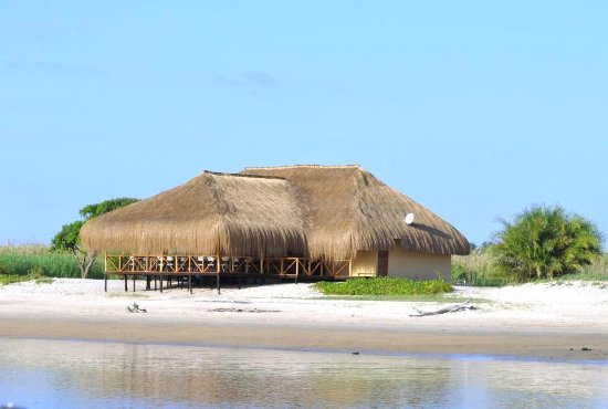 Restaurant at low tide