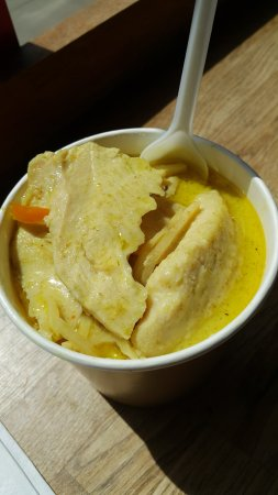 Sir and Madam: Green curry with little flavour