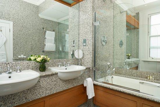 The Pelham – Starhotels Collezione: The Pelham Hotel - Executive - Bathroom