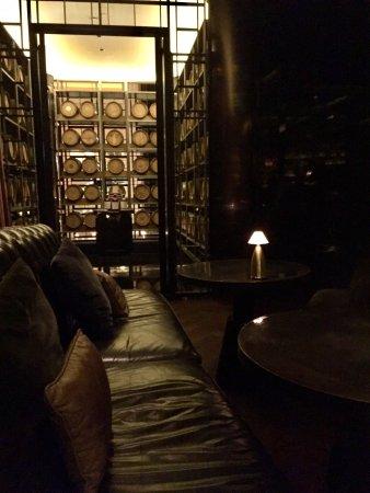 Manhattan Bar Regent Hotel Singapore Picture Of Regent Singapore