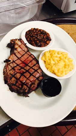 St. Stephen, Canadá: Smoked prime rib for all the steak lovers!
