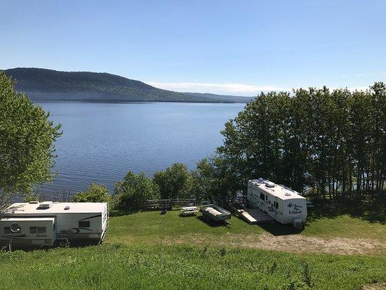 Temiscouata-sur-le-Lac, Canada: Camping sur le bord du majestueux lac Témiscouata