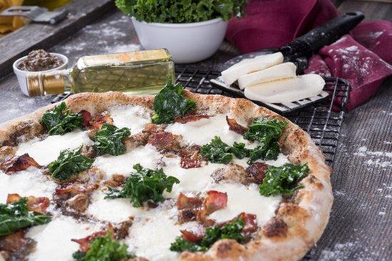 Smyrna, DE: Bacon Truffle Pizza