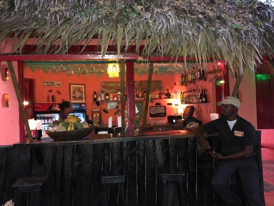 Jakes Hotel, Villas & Spa: Dougie's Bar