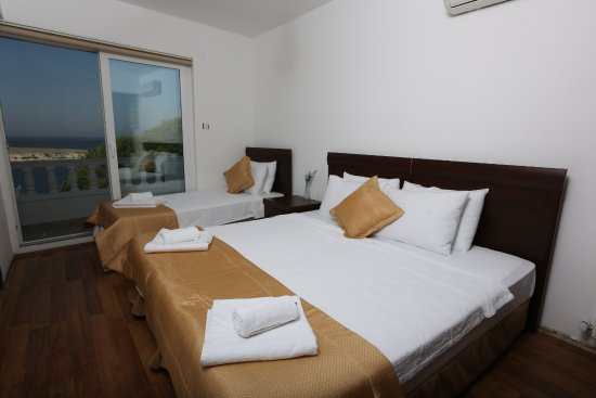 Arya Hotel Photo