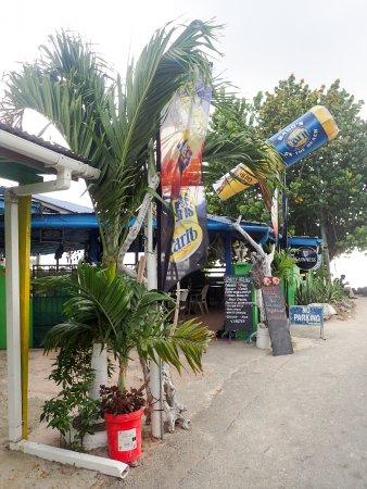 Bago's Beach Bar: Bags Beach bar