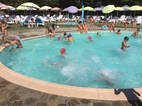 Camping il castagneto bewertungen fotos villafranca in for Piscina villafranca
