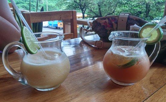 Hacienda Guachipelin: zumos en le bar