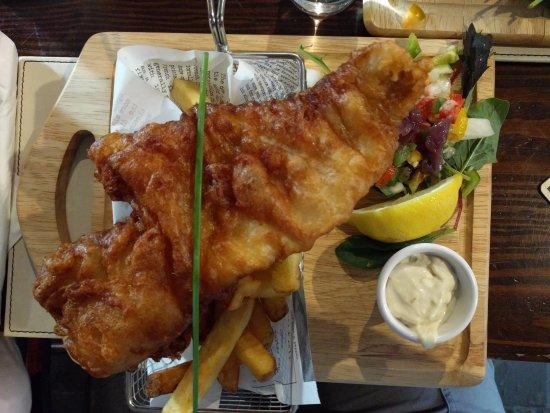 Glin, Irlandia: The biggest fish and chips!
