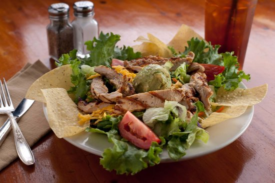 Richland Hills, TX: Chicken Fajita Salad