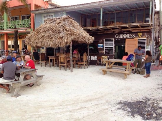Cholo's Beachside Sports Bar