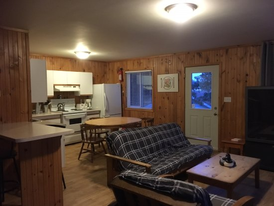 Merland Park Cottages: Laker Lodge