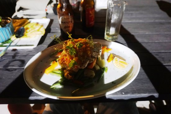 Vaima Polynesian Bar and Restaurant: fresh fish salad