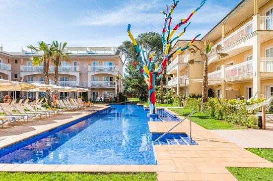 Cheap Swim Up Room Hotels