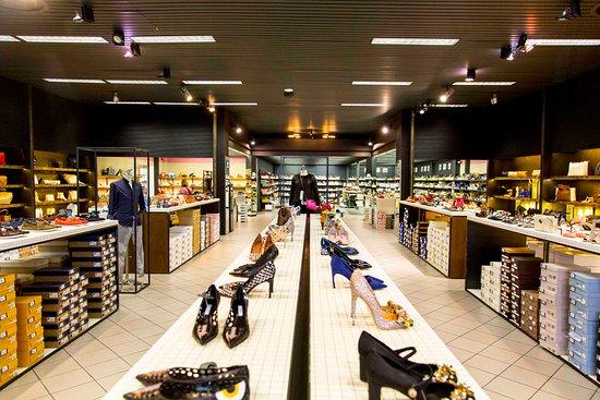 Reparto calzature - Bild von Euromoda, Brescia - TripAdvisor