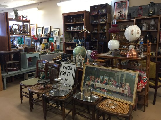 Bayside Antiques & Collectables