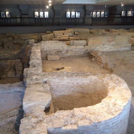 Area Archeologica di San Pietro degli Schiavoni: Below The Modern Building