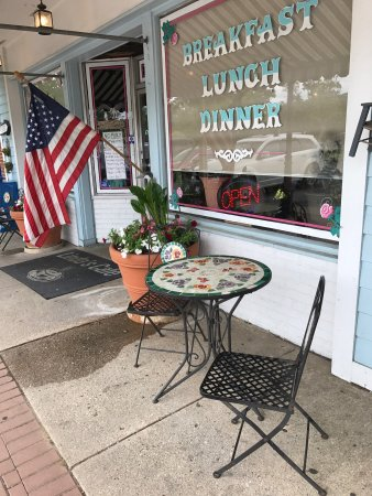 Lexington Park, Maryland: Linda's Cafe