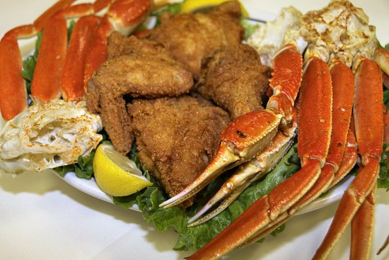 Hanover, PA: AUCE  Snow Crab Legs Special : Snow Crab legs, Fried Chicken , Soup and Salad every Sunday!