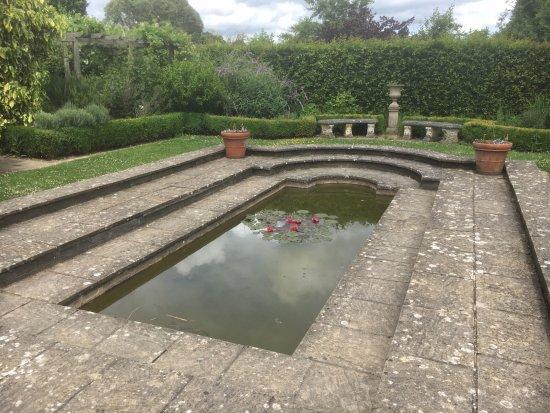 Hadlow, UK: Italian garden