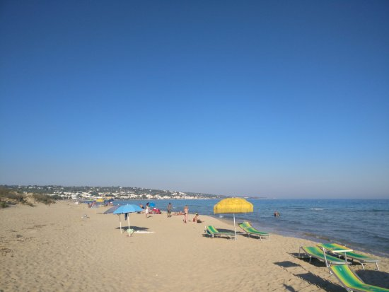 Great hotel within walking distance of the beautiful Pescoluse beach!