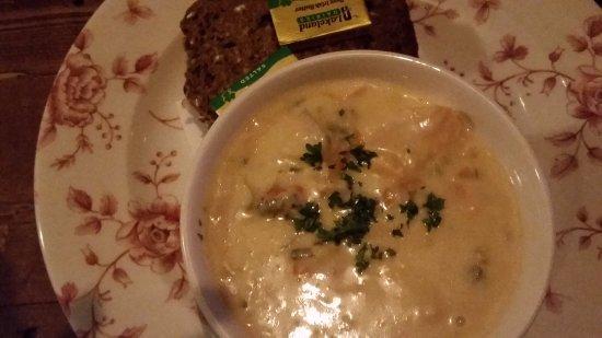 O'Flaherty's Pub: Seafood chowder