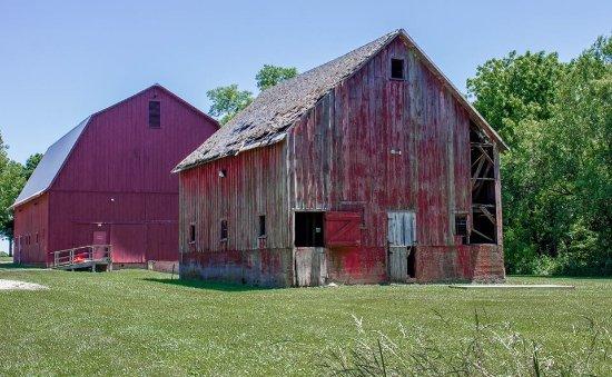 Monticello, IL: Old v new