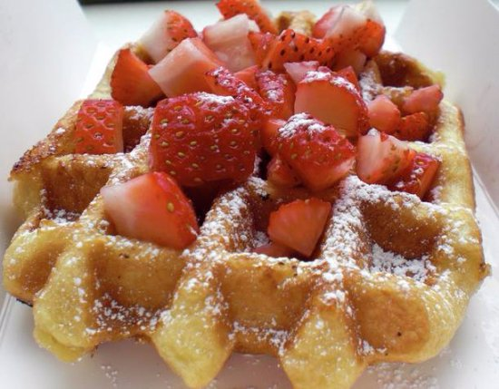 Lyngdal Municipality, Norveç: Belgian waffles. Homemade off course:)