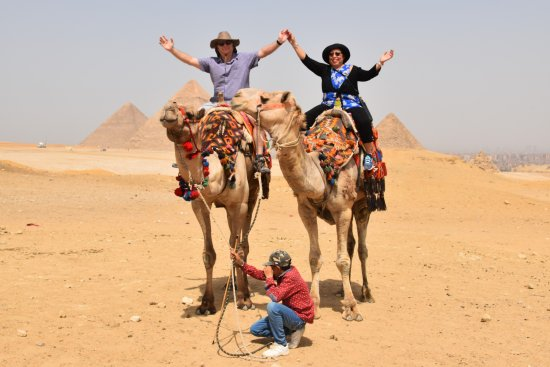 Vacations To Go Travel : At Gize Pyramids