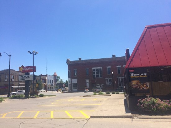 Tipton, IA: Corner - takes you to I-80