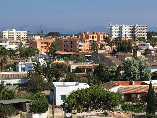 Apartamentos: View towards south from room