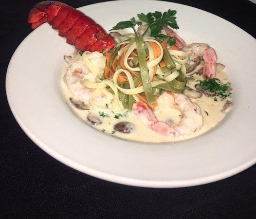 Clifton Forge, VA: Lobster & Shrimp Pasta