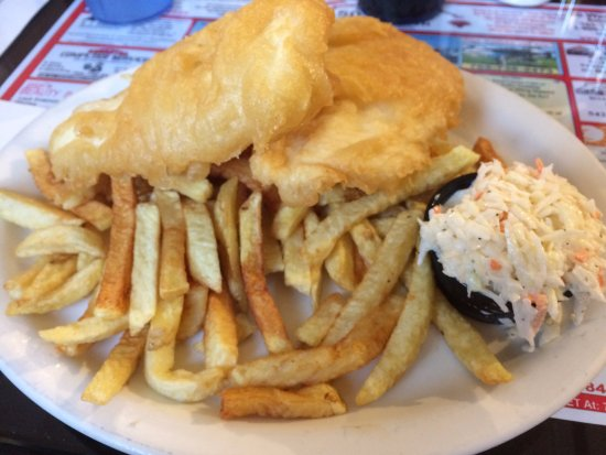 Bobcaygeon, Canada: Halibut & chips