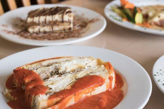 Vista, CA: Lasagna and tiramisu are sure to hit the spot!