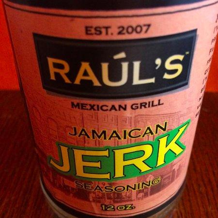 เกลนส์ฟอลส์, นิวยอร์ก: Raul's makes our own homemade sauces in house.