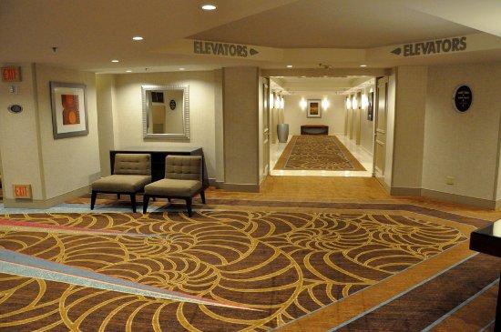 Casino at Treasure Island : The 18th floor lobby