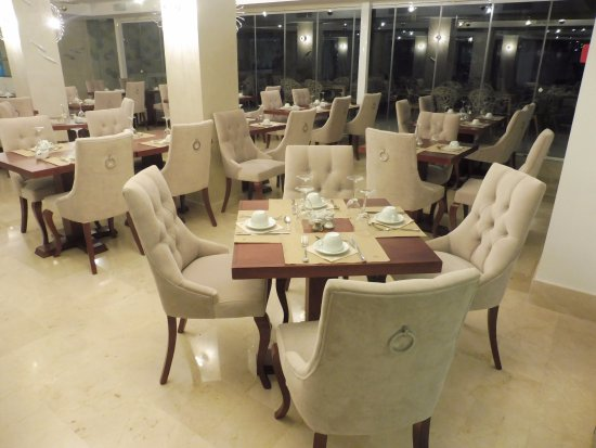 Essence Hotel Boutique by Don Paquito: Dining Room with New Furniture