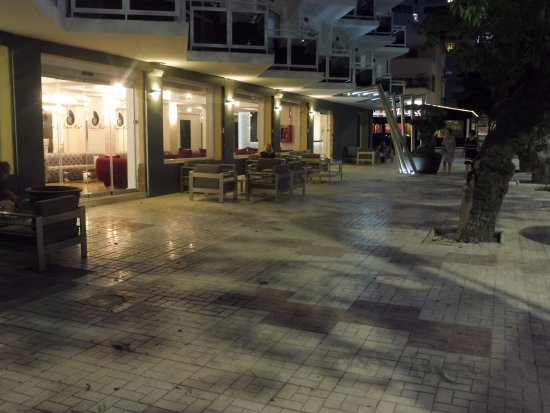 Essence Hotel Boutique by Don Paquito: Front Terrace