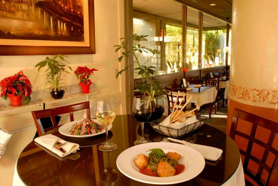 Bistro Casanova: An delicious oasis at Lunch time.