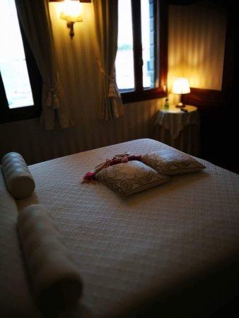 Hotel Bucintoro: L'hôtel Bucintoro est vraiment un super hotel avec vue sur la tamise. Le personnel est vraiment