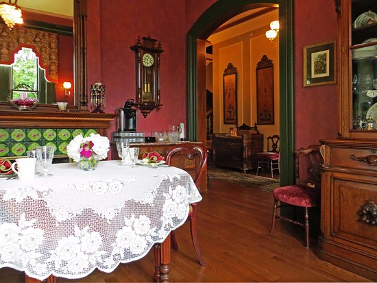 Silas W. Robbins House: Breakfast Room