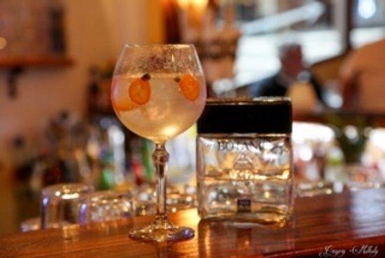 Gin & Tonic at the Tibetan Cafe Morzine
