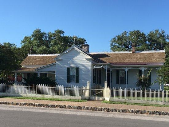Lyndon B. Johnson Boyhood Home : photo0.jpg