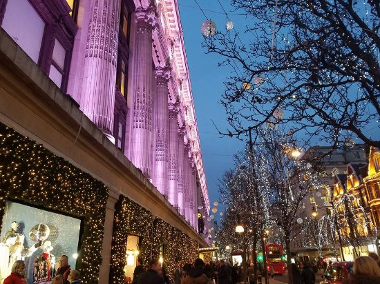 london marriott hotel park lane close to great shopping and views of beautiful christmas lights - Beautiful Christmas Lights