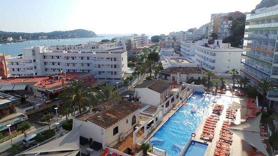 Apartment's pool. - Picture of Deya apartments Santa ponsa ...