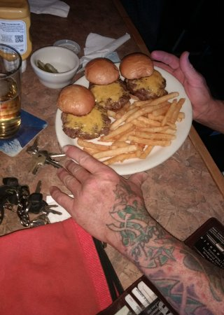 Tres Banderas Restaurant: Triple cheese burger with fries slider style... 😋
