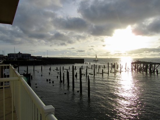Cannery Pier Hotel: Sunset from our deck