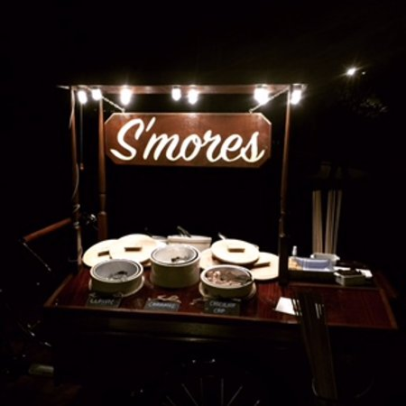 Montage Palmetto Bluff: Free S'Mores nightly...
